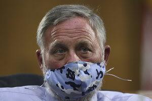 Sen. Burr leaves Senate Intelligence team amid FBI probe