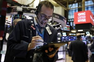This is a thumbnail for the post Dow drops 1,000 points as virus fear spreads beyond China